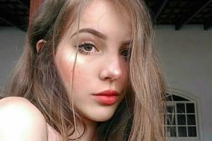 17-летняя бразильская модель покорила Instagram роскошными формами