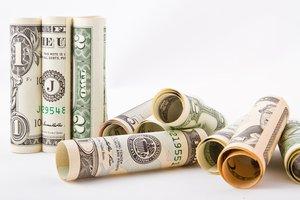 Курс доллара в Украине опустился ниже психологической отметки