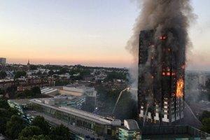 В Лондоне пылает высокий жилой дом