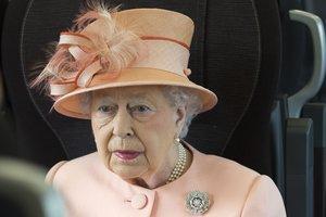 91-летняя Елизавета II воссоздала знаменитую железнодорожную поездку королевы Виктории