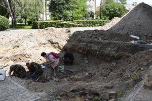 В Луцке нашли массовые захоронения людей