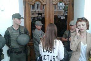 За недопуск журналистов в Одесский горсовет полиция открыла уголовное дело