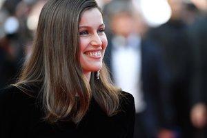 39-летняя модель Летиция Каста вышла замуж за актера Луи Гарреля