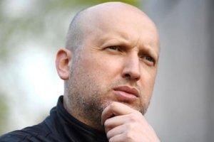 Турчинов предложил пускать россиян в Украину только по биометрическим паспортам