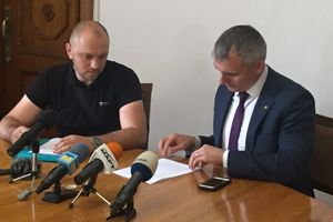 Мэру Николаева Сенкевичу вручили протокол о коррупции