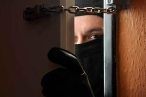 Как защитить дом от вора: на какие уловки идут грабители