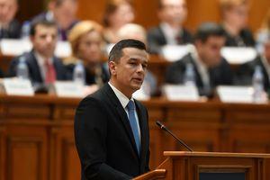 В Румынии в знак протеста против премьера все министры подали в отставку