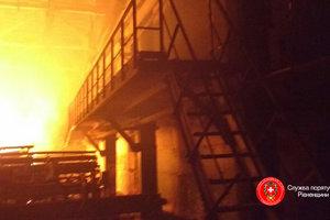Масштабный пожар возле Ровно: пламя тушили около шести часов
