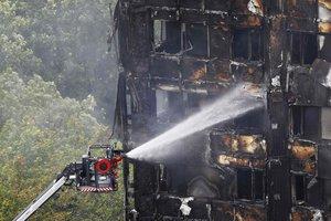 В Сети появилось первое видео из сгоревшей высотки в Лондоне