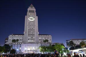 Лос-Анджелес превратили в Готэм и призвали Бэтмена