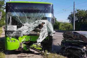 В Харькове троллейбус попал в смертельное ДТП