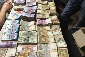В Киеве разоблачили конвертцентр с оборотом в 156 млн грн