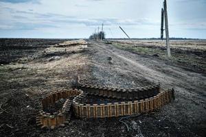 На Донбассе подорвался грузовик с мирными жителями