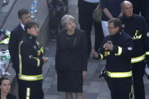 Тереза Мэй признала ошибки властей при ликвидации последствий пожара в Лондоне