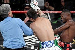 Гильермо Ригондо со скандалом нокаутировал чемпиона IBO и бросил вызов Ломаченко