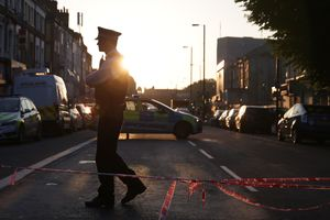 Полиция задержала водителя фургона, наехавшего на людей в Лондоне