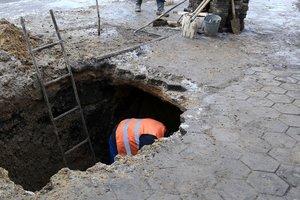 Часть киевлян осталась без воды из-за прорыва трубы