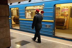 Подробности страшного ЧП в киевском метро: 19-летняя студентка лишилась части правой ноги и сломала плечо