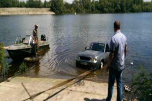 Автомобиль утонул в Днепре в Черкасской области