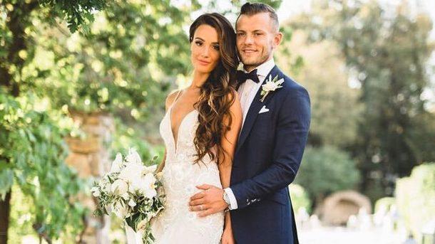 Джек Уилшир со своей женой Андриани Майкл. Фото twitter