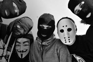 В Харькове задержали вооруженную банду, которая на глазах ребенка пытала родителей