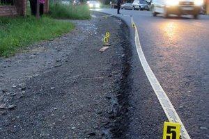 На Прикарпатье водитель насмерть сбил ребенка и бросил  тело на берегу реки