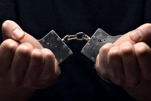 НАБУ задержало на взятке в 200 тыс. долларов охранника нардепа Розенблата