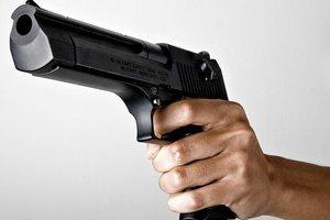 В Борисполе военнослужащий выстрелил в ногу мужчине, проникшему в воинскую часть