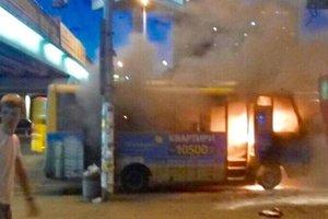Опасные киевские маршрутки: транспорт горит и теряет колеса