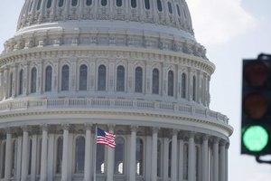 Наказание откладывается: в США притормозили санкции против России