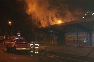 В Киеве ночью произошел пожар около станции скоростного трамвая