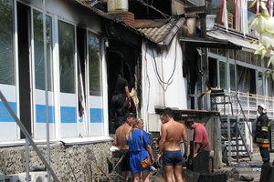 Утренний пожар в одесской Аркадии: как выглядит место ЧП