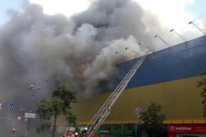 На Крещатике горит старинный дом: центр города заволокло дымом
