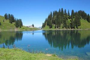 Идеи для отдыха: самые интересные озера в Украине