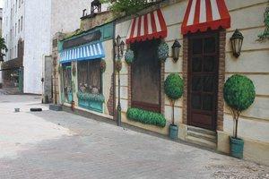 В Одессе появился новый мурал с витринами, как в Париже