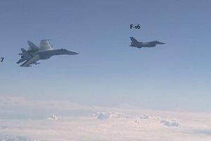 Появилось видео опасного сближения самолета НАТО с бортом Шойгу