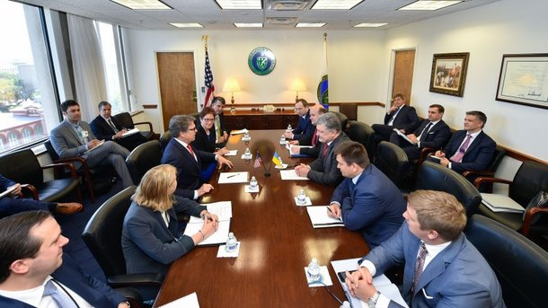 Порошенко обсуждал в США углубление сотрудничества в энергетике
