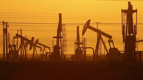 Цены на нефть рухнули ниже 45 долларов