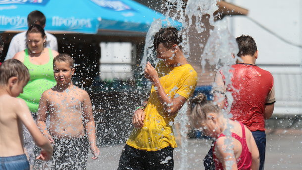 Синоптики обещают повсей Украине жару до +34