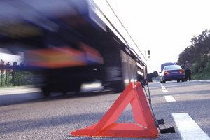 Страшное ДТП на трассе Киев-Чоп: пешехода сбили два грузовика