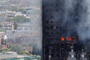 Полиция назвала официальную причину возгорания высотного дома в Лондоне