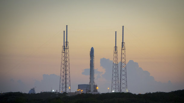 Ракета Falcon 9 сболгарским спутником связи стартовала смыса Канаверал