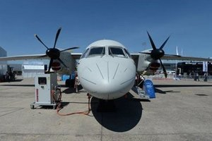 В Париже продемонстрировали маневренность самолета Ан-132D