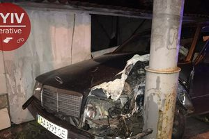 В Киеве пьяный отец взял покататься автомобиль сына и стал причиной километровой пробки