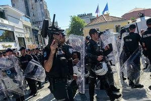 В Стамбуле полиция разогнала участников марша ЛГБТ с помощью резиновых пуль