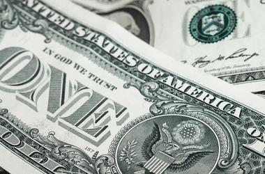 В Украине подрос доллар и евро
