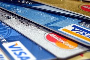 В Украине введут ограничения на карточные комиссии банков