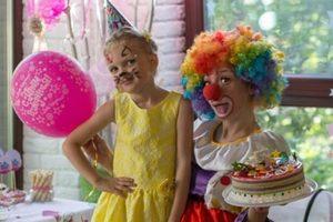 """Родители пятилетней Анюты из Мариуполя: """"Гумштаб """"починил"""" сердечко дочери"""""""