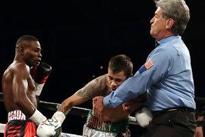 Чемпиона WBA Гильерме Ригондо лишили победы над Мойзесом Флоресом
