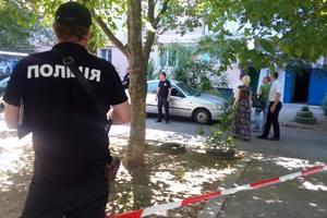 Двойное убийство в Одессе: тела погибших детей из дома выносили на руках